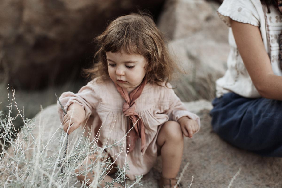 joshua-tree-california-family-session-photographer-elizabeth-wells-photography