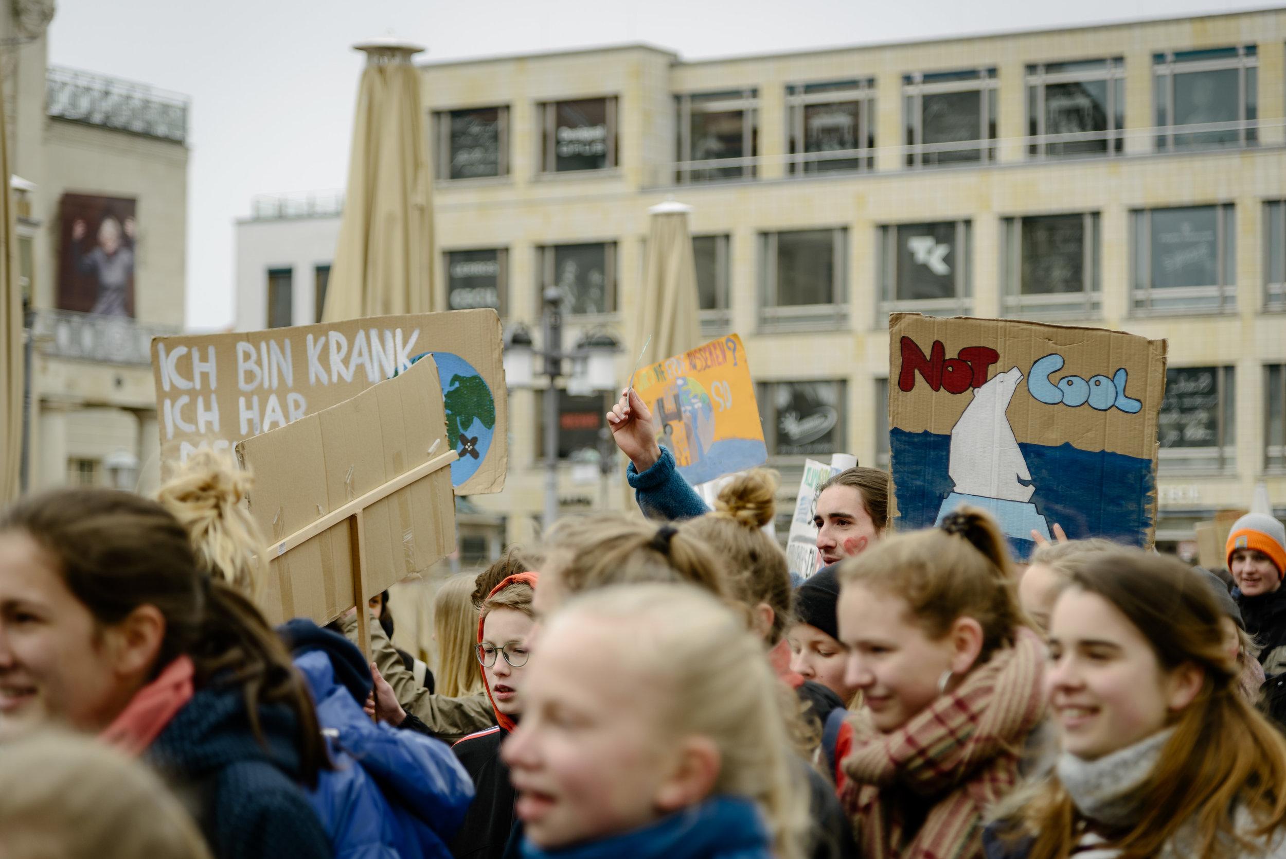 12.04.2019 / Demonstration von Fridays For Future Weimar. / Foto: Henry Sowinski