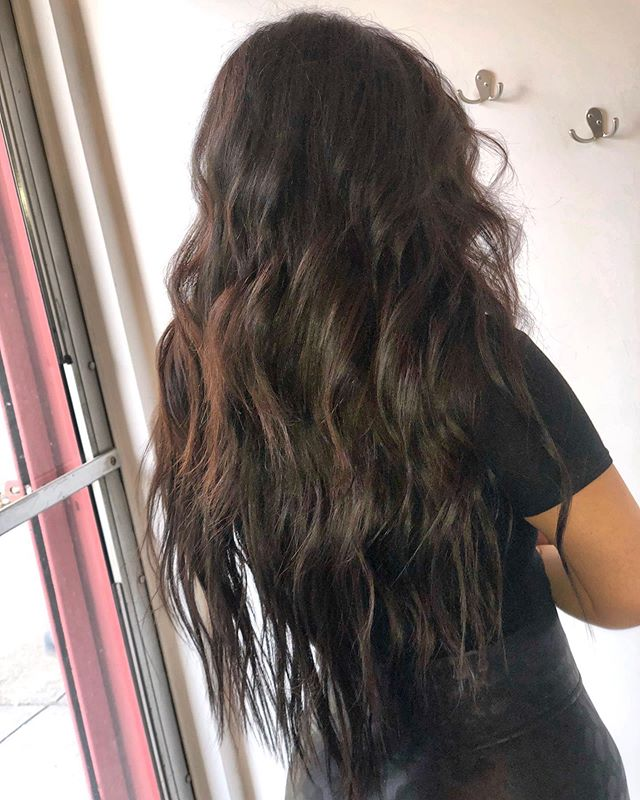 """✨ 26"""" application ✨  Length for hot girl summer #donnabellahairextensions #tapeinextensions #hairextensions #nycstylist #sohostylist"""