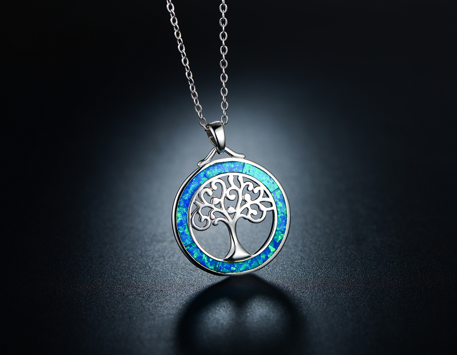 Tree-of-Life Charm Circle Pendant /& Chain Necklace in 18K White Gold Plate