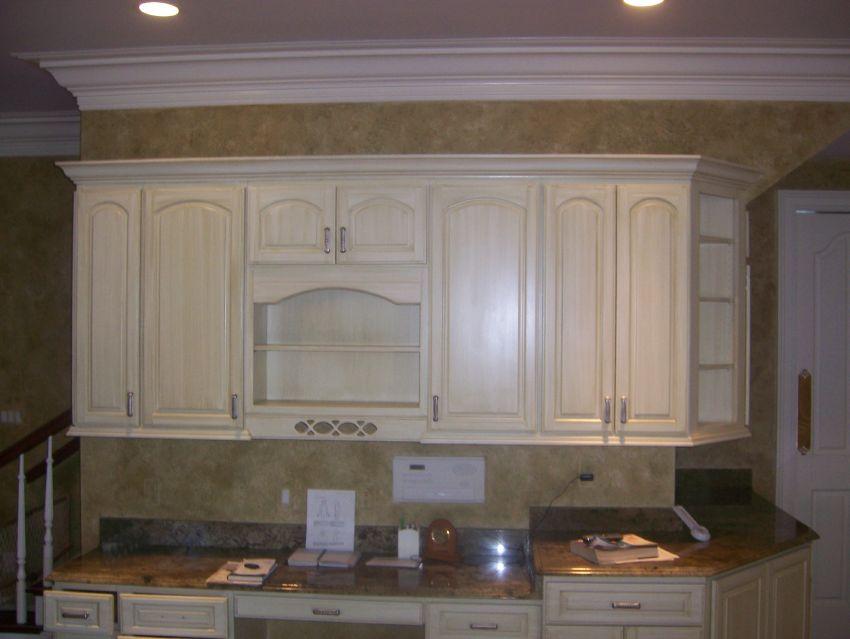 glaze and varnish finish on cabinets.jpg