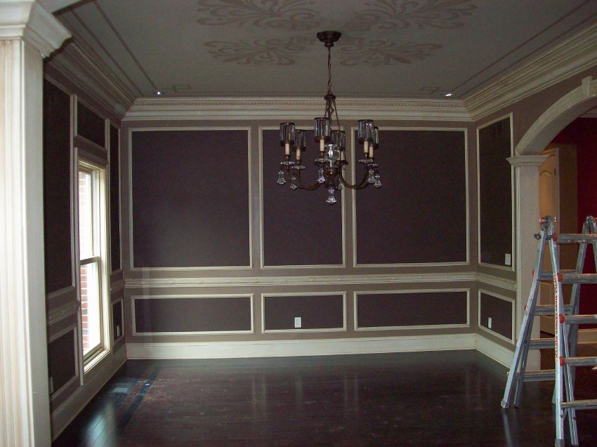 accent painted dining room.jpg