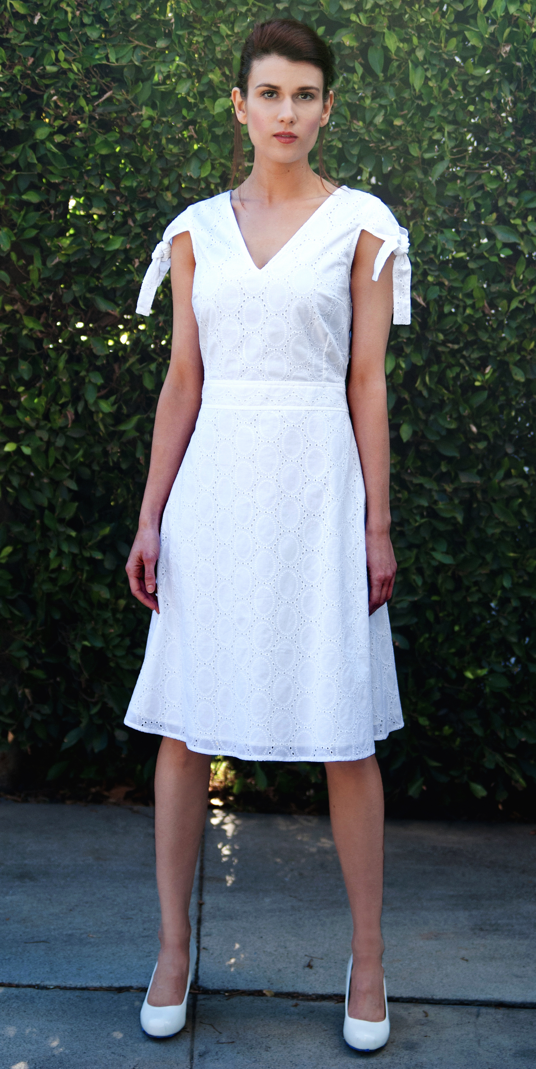 Vavoom V-Dress with Tied Cap-Sleeves