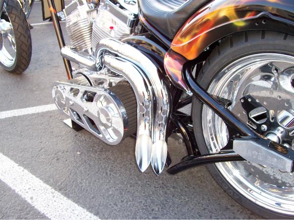 Chrome Harley pipes