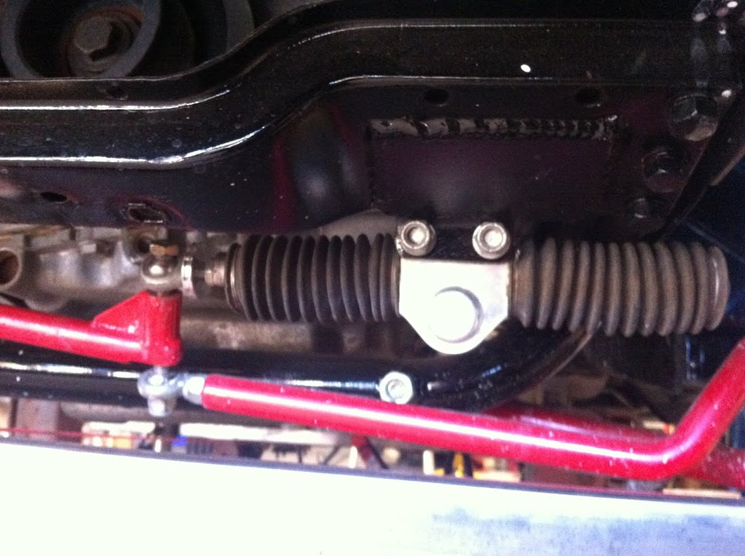 Stilleto steering rack with both steering arms mounted on a 5-16 heim joint...
