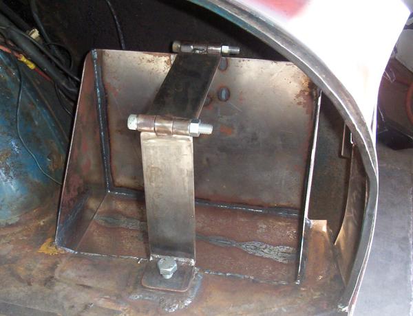 LSR Ghia battery mount
