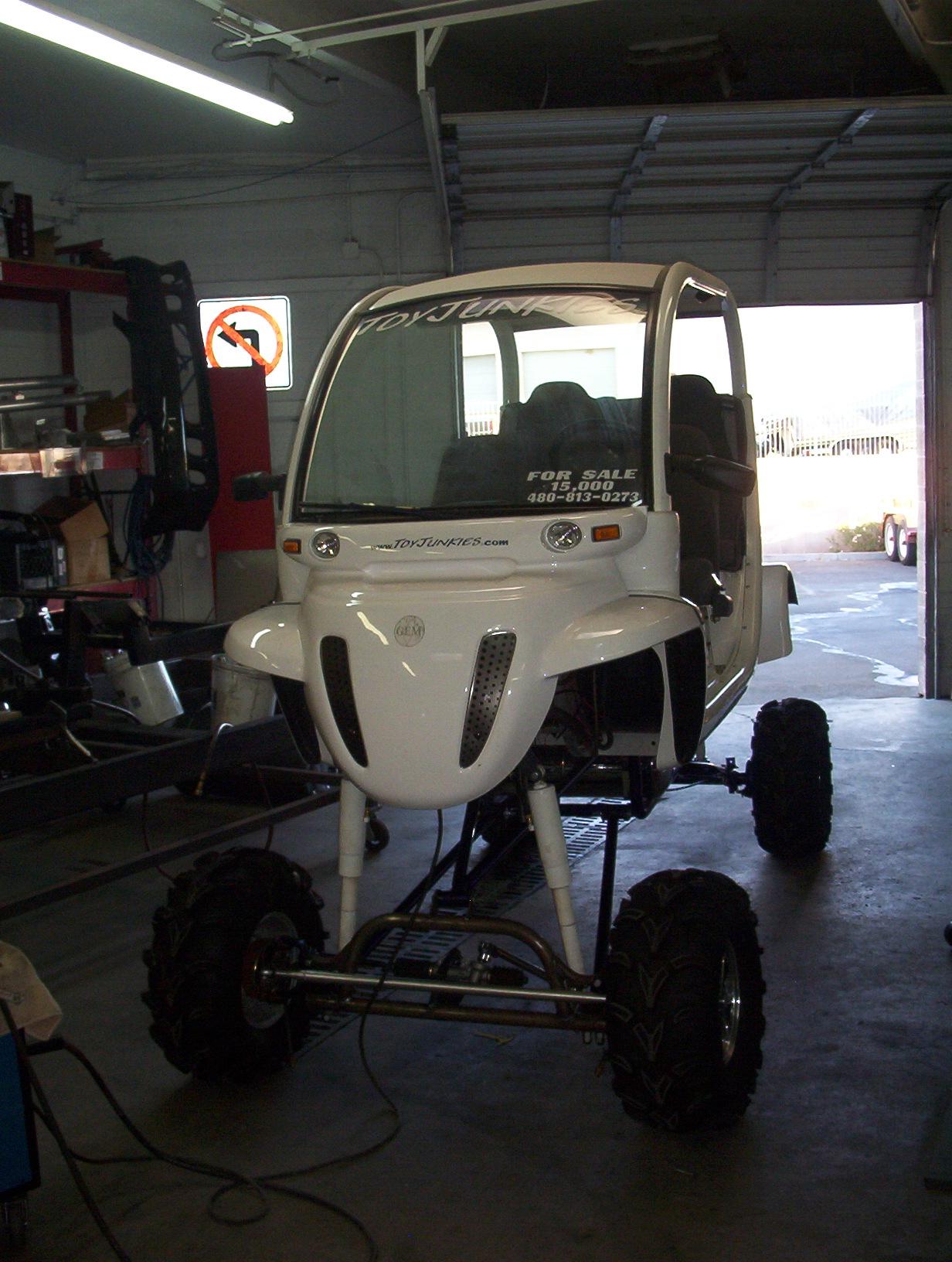 GEM monster cart lift.JPG