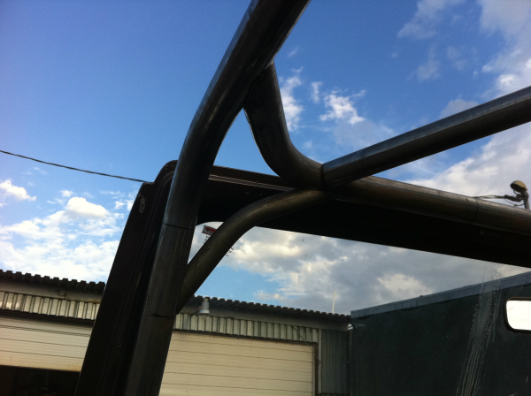 Roll Cage tube detail