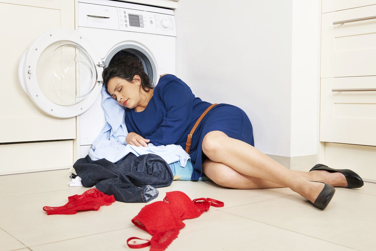 Shoot+for+ResMed+'Do+it+in+bed'+campaign+'Dirty+Washing x'.jpg