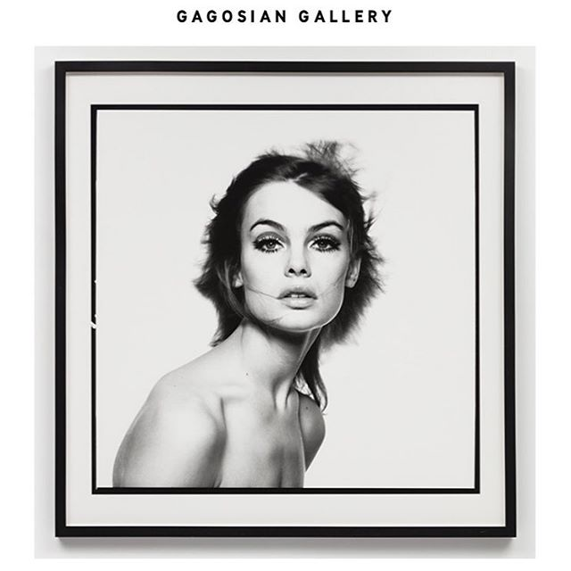 The Ab Fab #jeanshrimpton by @bailey_studio at the @gagosian in London. . . . . . #thesixties #davidbailey #interiordesign #owendesign #artgallery