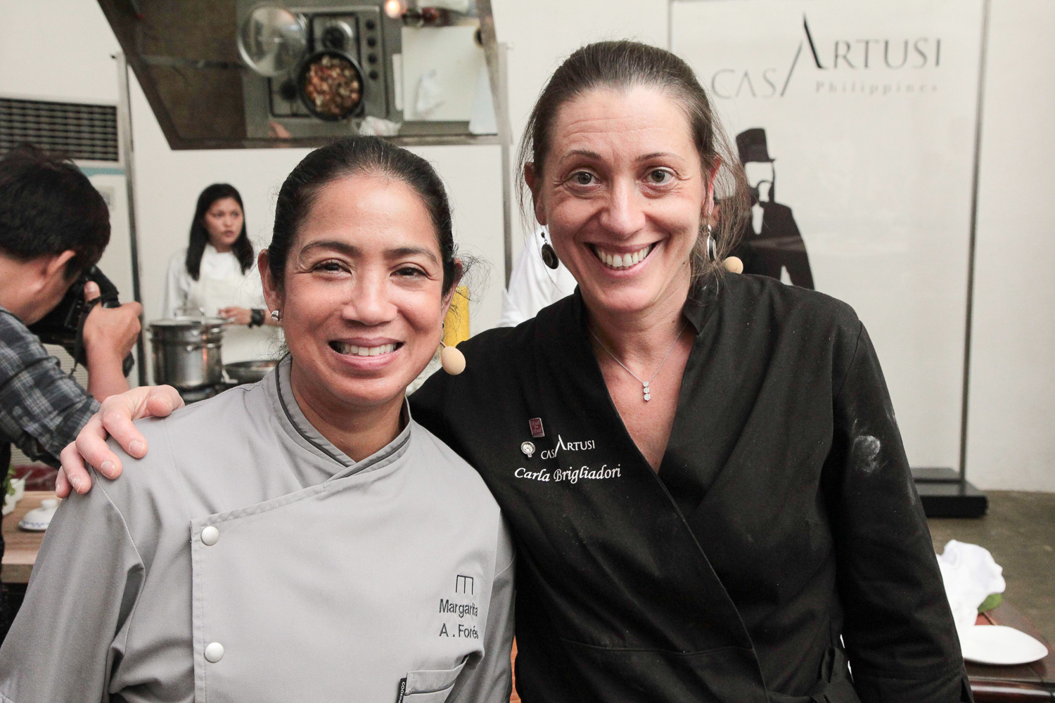 Margarita Forés of Casa Artusi Philippines with Carla righ