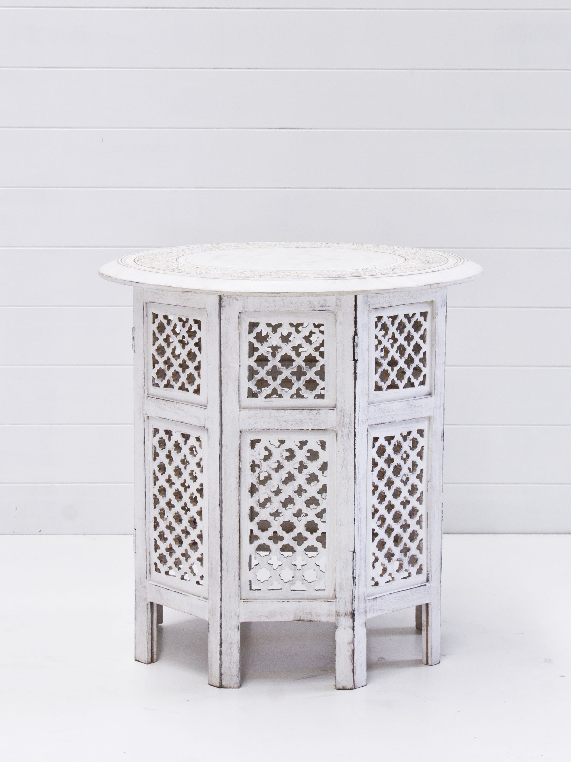 White boho signing table.jpg