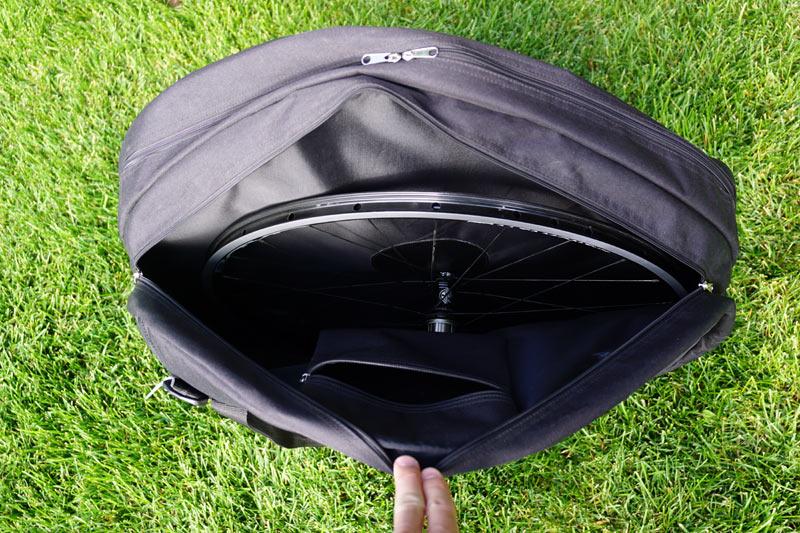 boyd-cycling-bicycle-wheel-bag-backpack02.jpg
