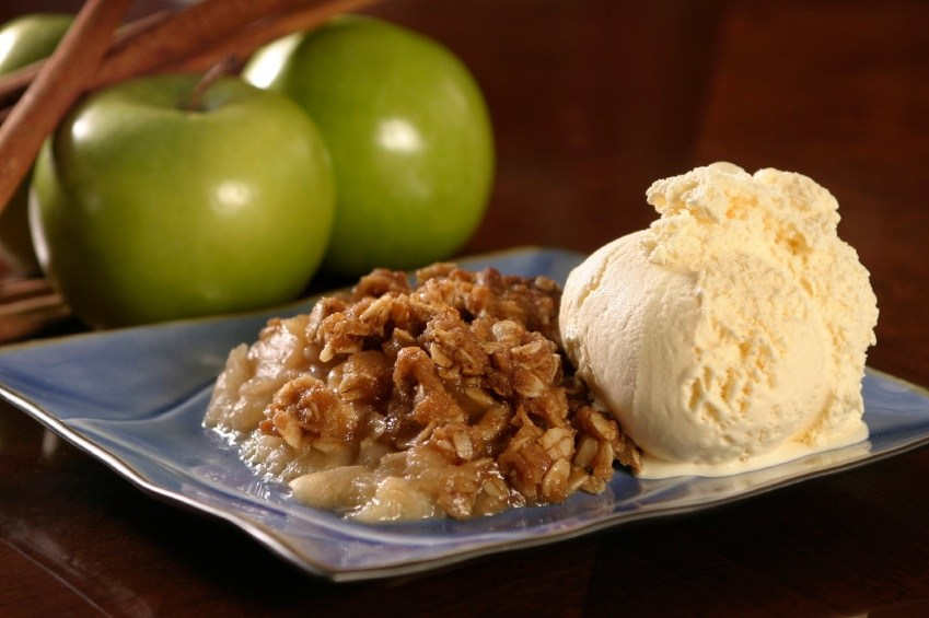 apple-crisp-with-ice-cream-istock.jpg