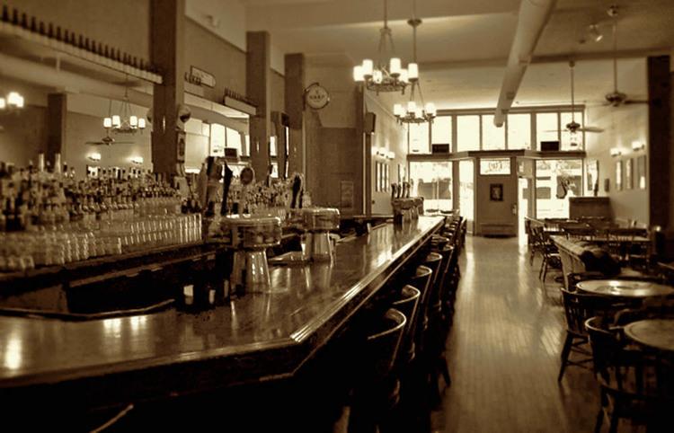 Uisca Bar in Bellingham