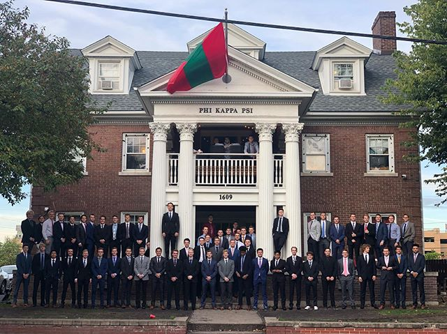 Say hello to the men of Phi Kappa Psi and Fall '19 pledges! Let's make it a great year. #LEDN