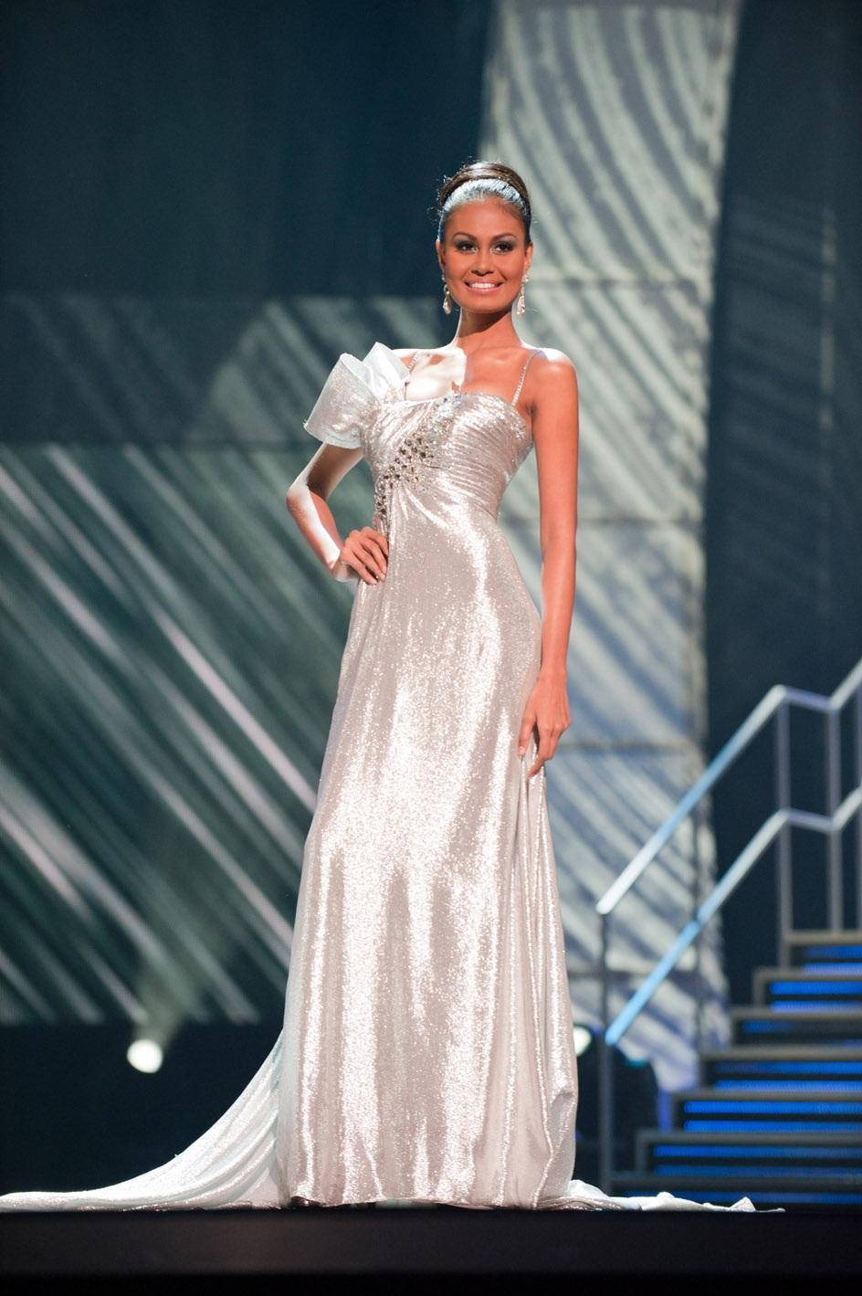 miss-philippines-venus-raj-in-the-evening-gown-portion-credits-to-yo-miss-universe-lp-lllp-578378011.jpg