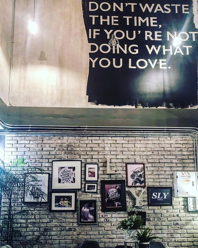 @sailomyenhostel #home #photography #decoration #lifestyle #vintage #sweethome #editorial #photographer #photographylover #photoblog #photographerlife #atelier #creative #young #nonophotography #homestory #stonewall #coffeestore #coffee #homedesign #livingroom #homesweethome #coffeelover #young #style #vintagestyle #vintagehome #indoor #artsy #architecture