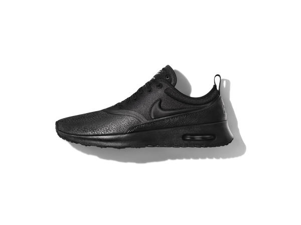 05_Nike_BeautifulXPowerful_AirMaxTheaUltra_PremiumLeather_04102016.jpg