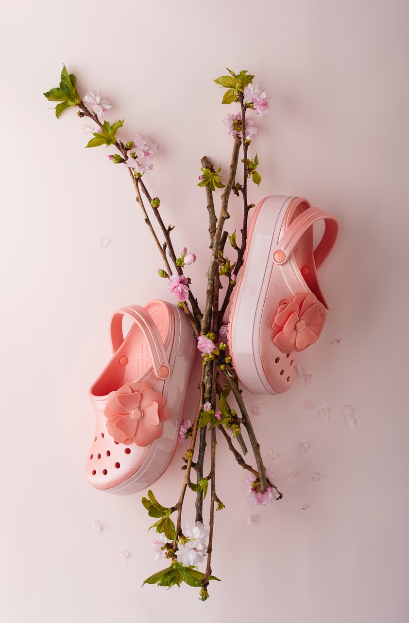 Crocs_SS19_Vivid_Bloom_Statement_Collectioin_V3 Kopie.jpeg