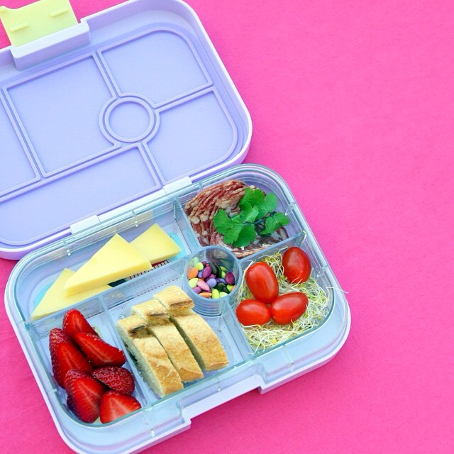 Yumbox Classic in Remy Purple