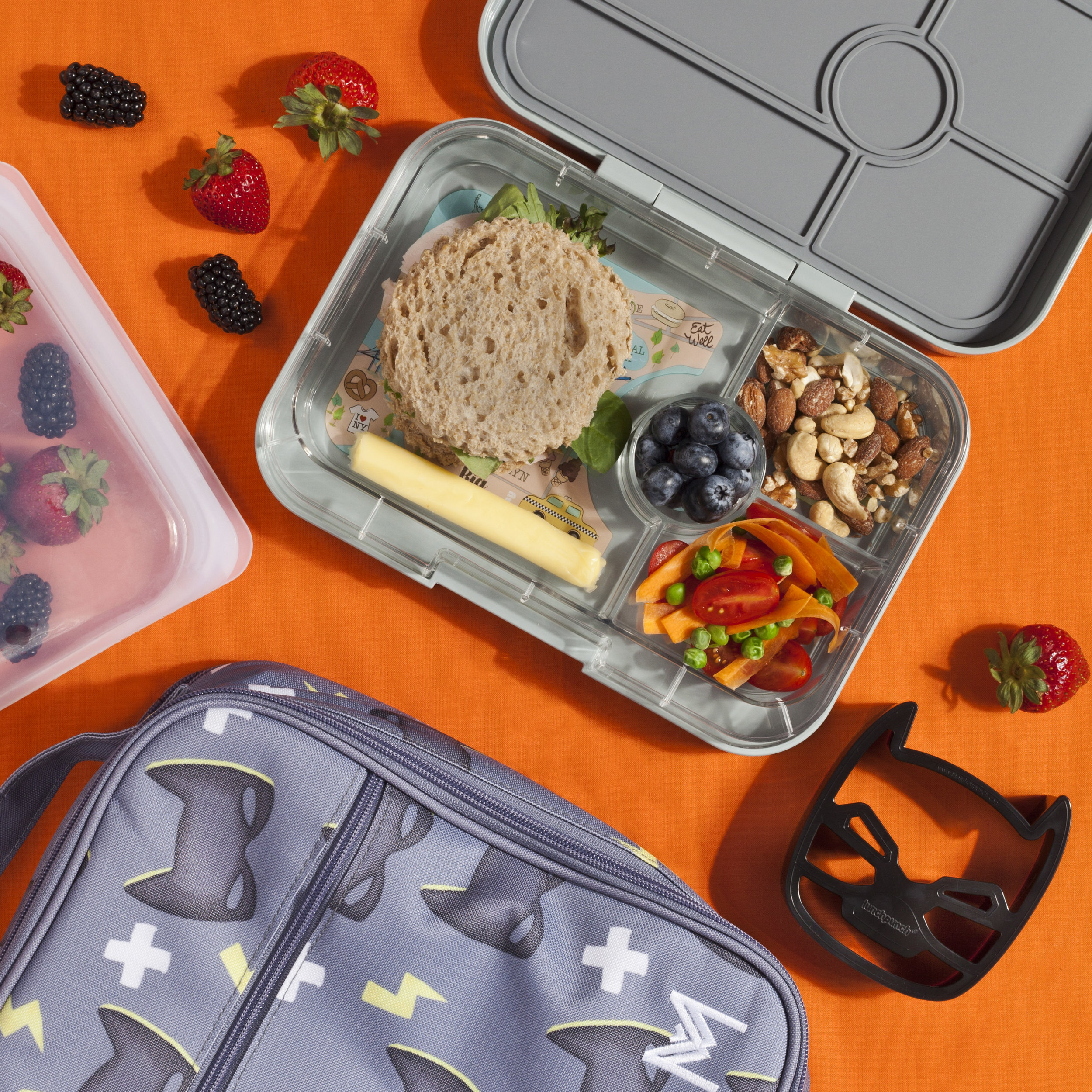 Montii Lunchbag with Yumbox Tapas and LunchPunch Sandwich Cutters