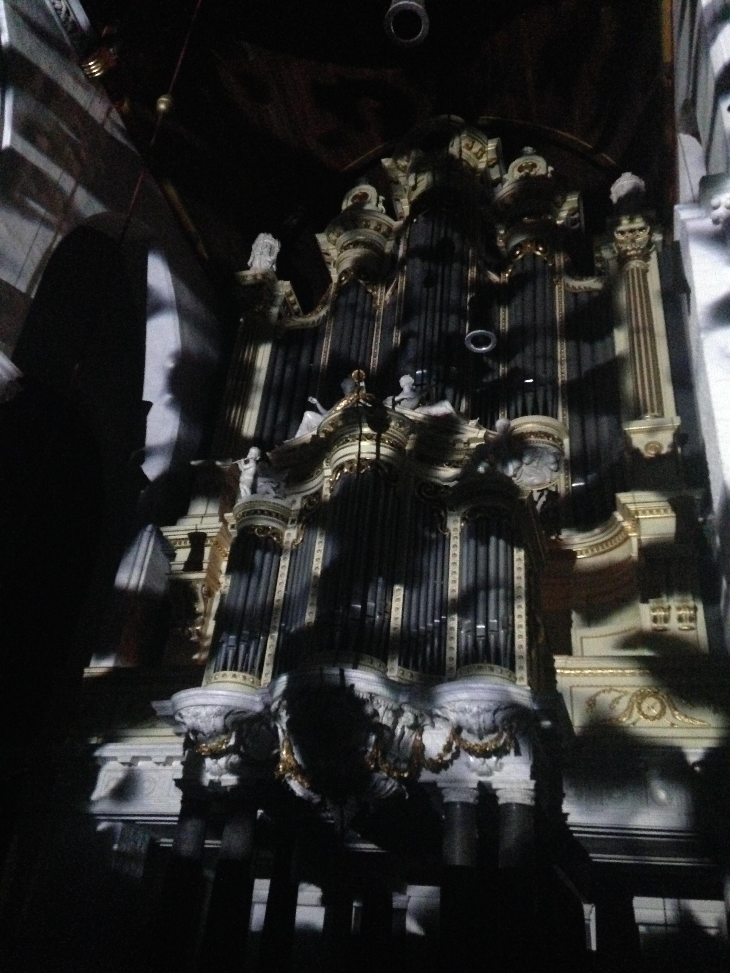 Stichting Orgelkring + Oddstream + Glowarp   Een eeuwenoud orgel gaat samenwerking aan met hedendaagse digitale projectietechnieken in een avondvullend concert.