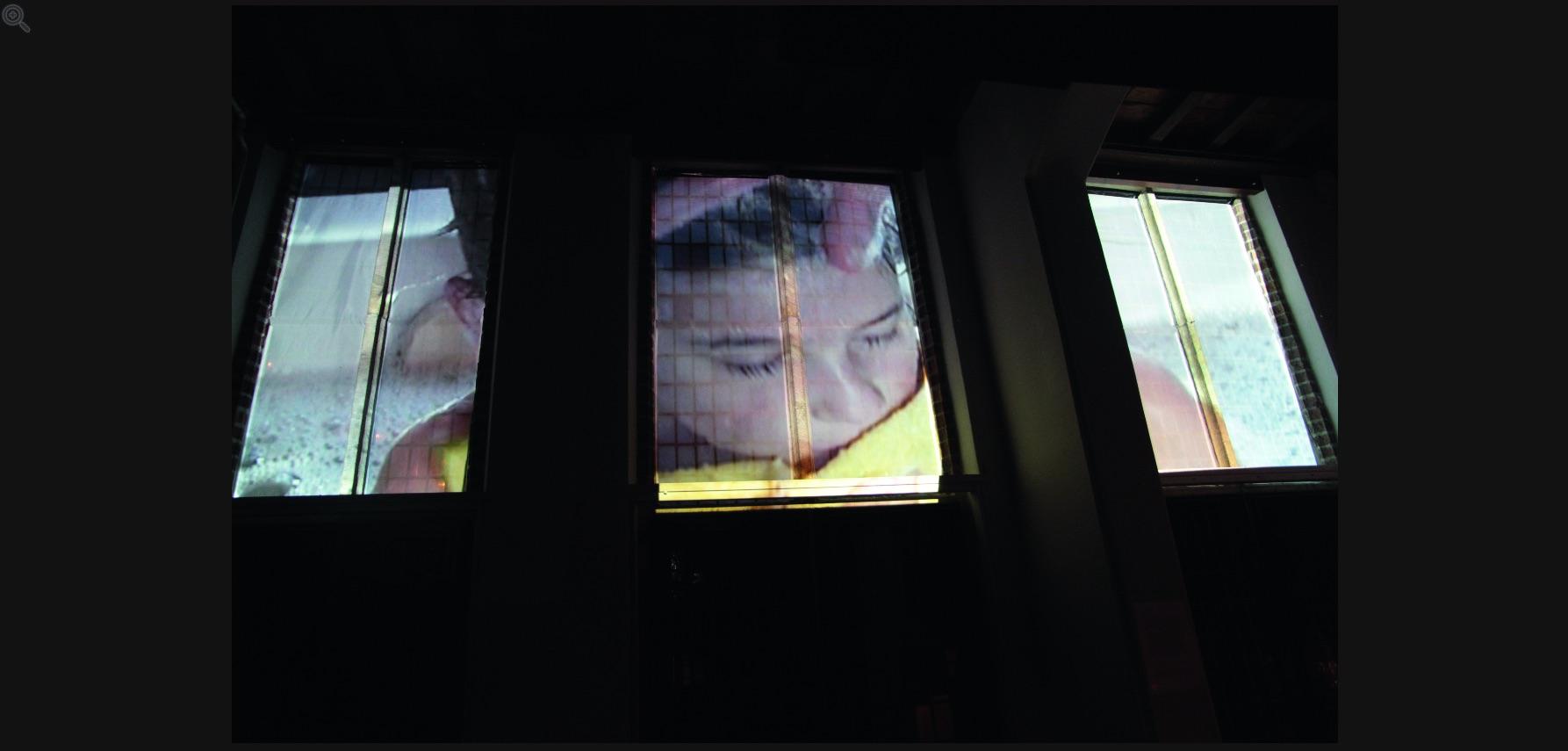 Kuntnacht 2011 - Martijn Schinkel + Thomas Verbogt   Het boek 'Herfst in het oosten' dat Thomas Verbogt n.a.v. de residentie in 2009 schreef, werdop 24 september gepresenteerd. In opdracht van Dziga en het AIR Besiendershuis maakte Martijn Schinkel het videowerk 'Mijn Ziel' bij het pas verschenen boek.
