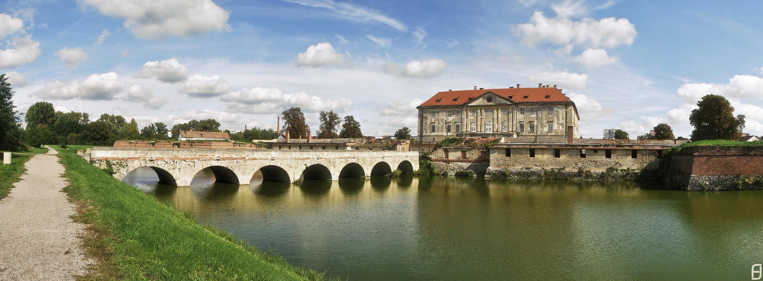 Vodná priekopa a zabudnutá krása zámku Holíč nás uchvátili. Skutočne nám dáva kopec nových možností.( zdroj foto )