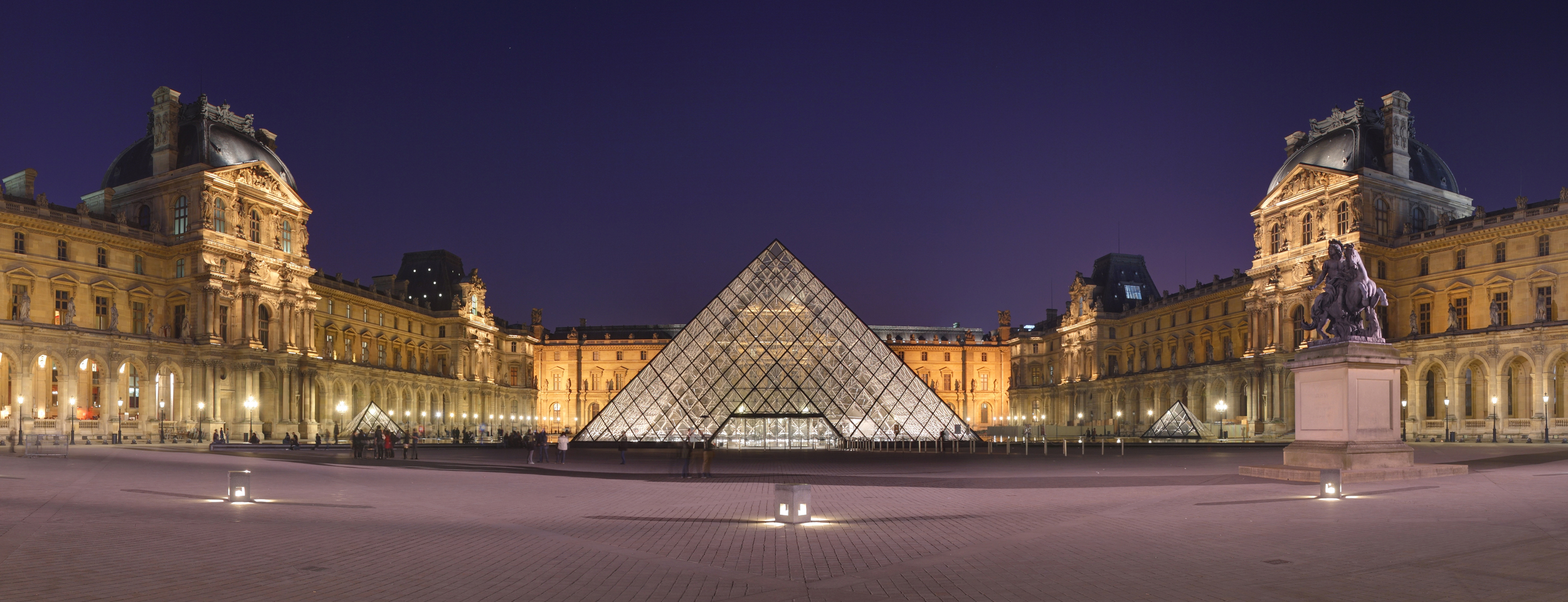 "Source: ""Louvre Museum Wikimedia Commons"" by Benh LIEU SONG - Own work. Licensed under CC BY-SA 3.0 via Wikimedia Commons"