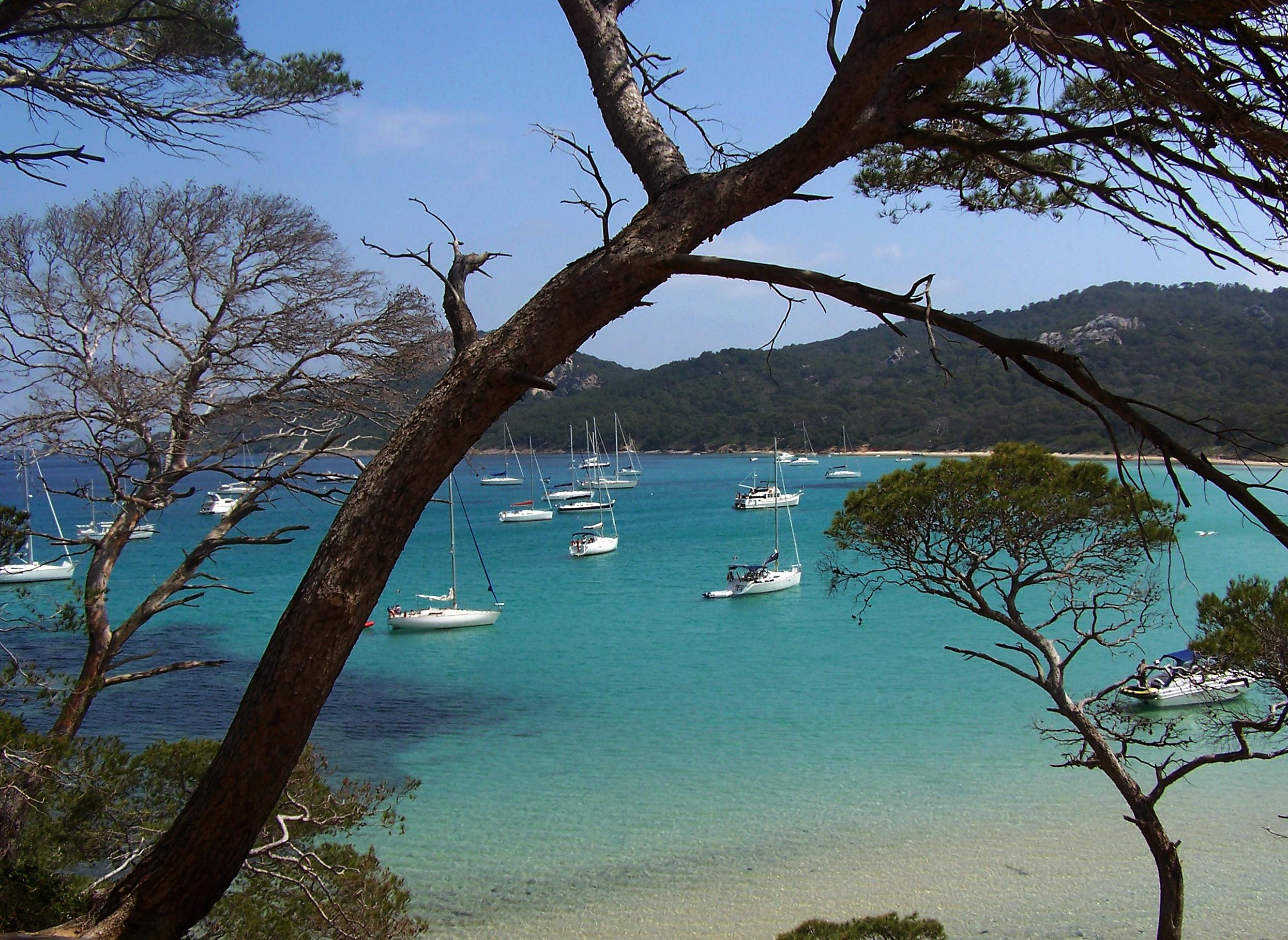 Magnificent coast lines    Contact us