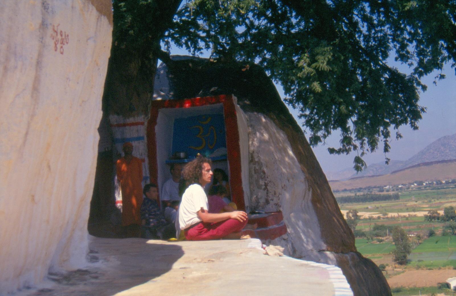 Un meditador en una ermita del sur de India