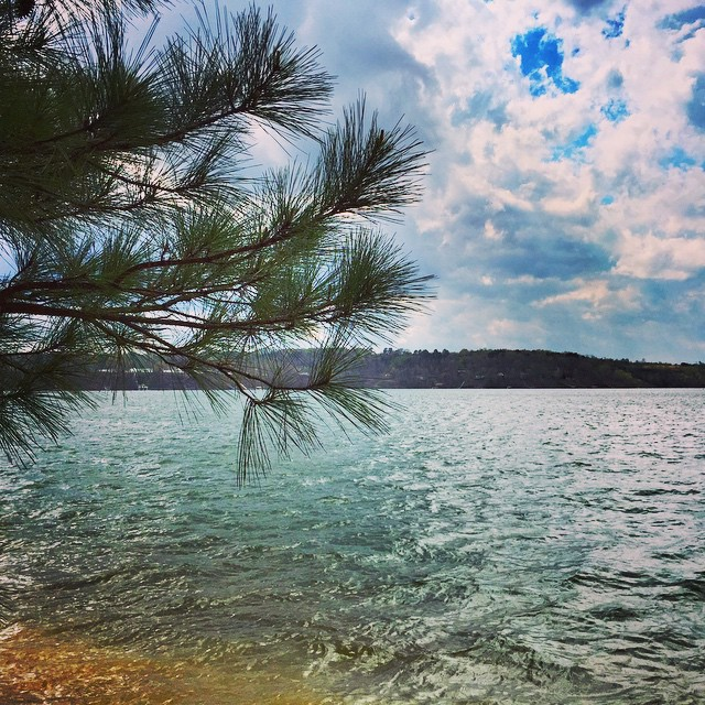 Taking in beautiful #SmithLake on this wonderful #GoodFriday afternoon. Have a great Easter weekend everyone! #LakesideAlabama #Cullman #lakelife #instagramcullman #lakeliving