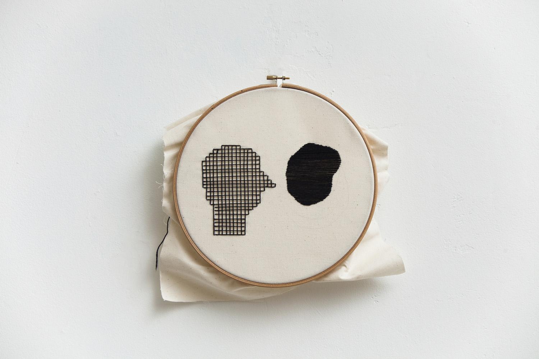 Linear   D. 26 cm, linen fabric, embroidery  solo exhibition, Roza Azora Gallery Moscow, October 2014  © lisa olshanskaya