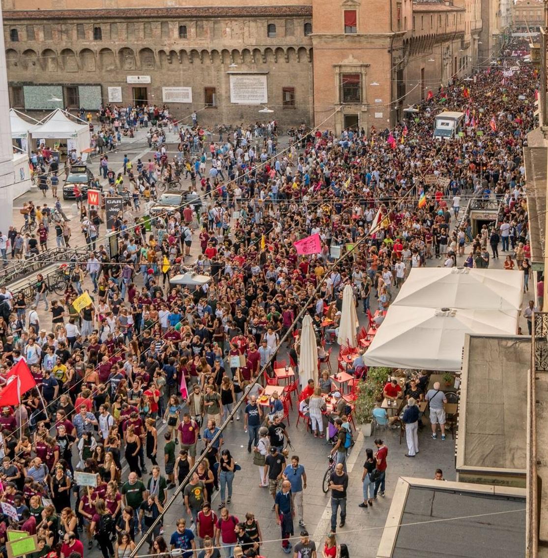 Manifestazione #RiapriAmoLabas, Bologna, 9 settembre 2017