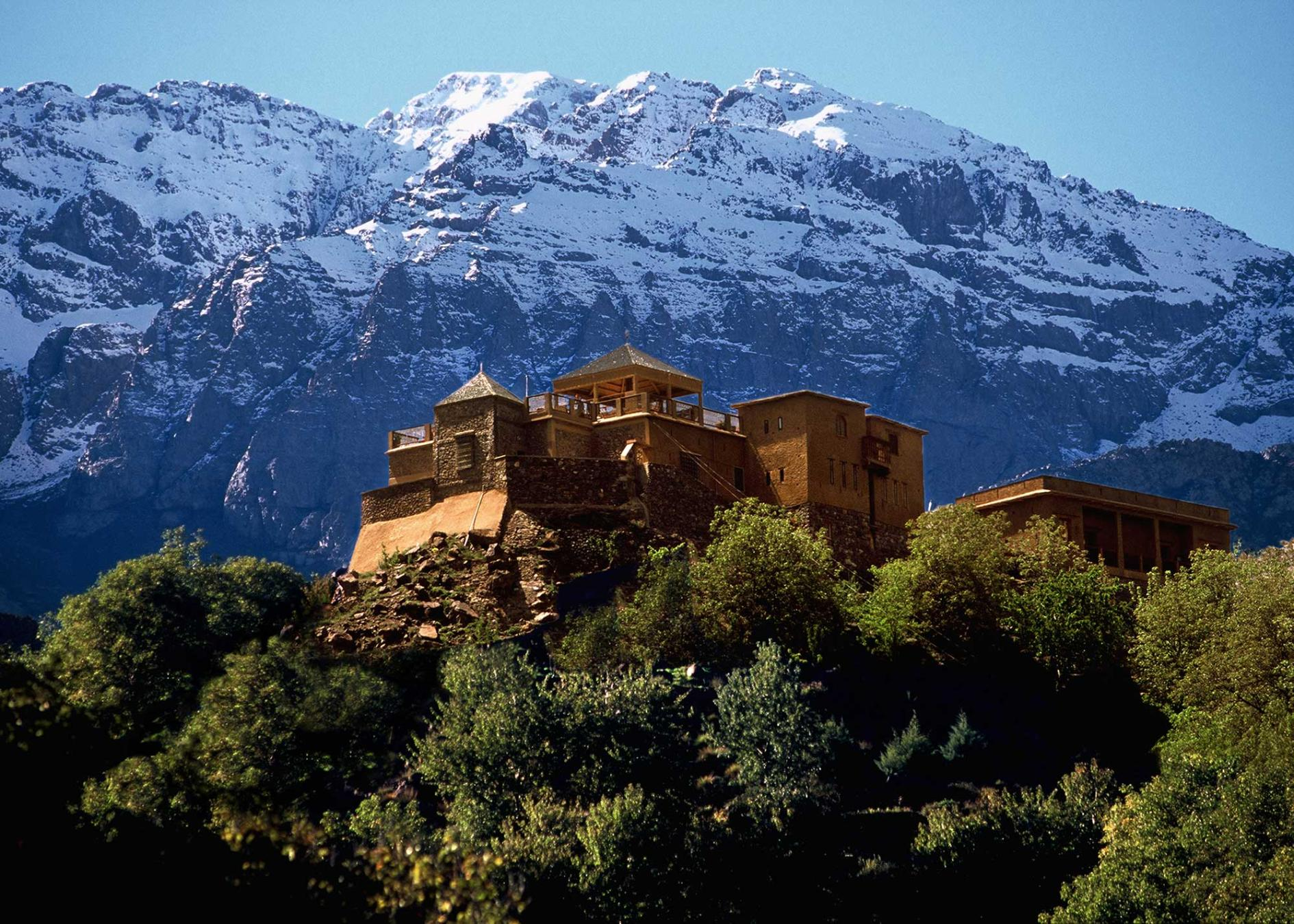 kasbah-lodge-mountains.adapt.945.2.jpg