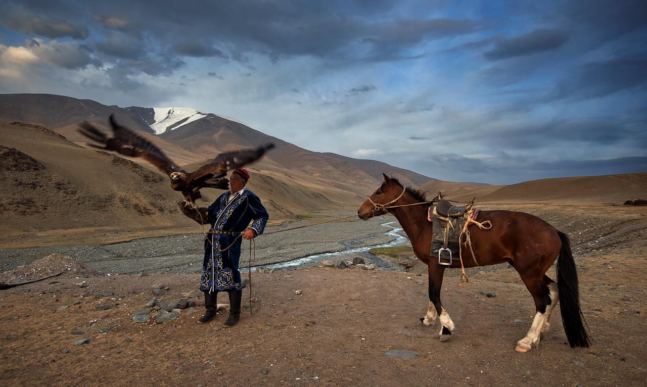 hunter eagle and horse mongolia-X2.jpg