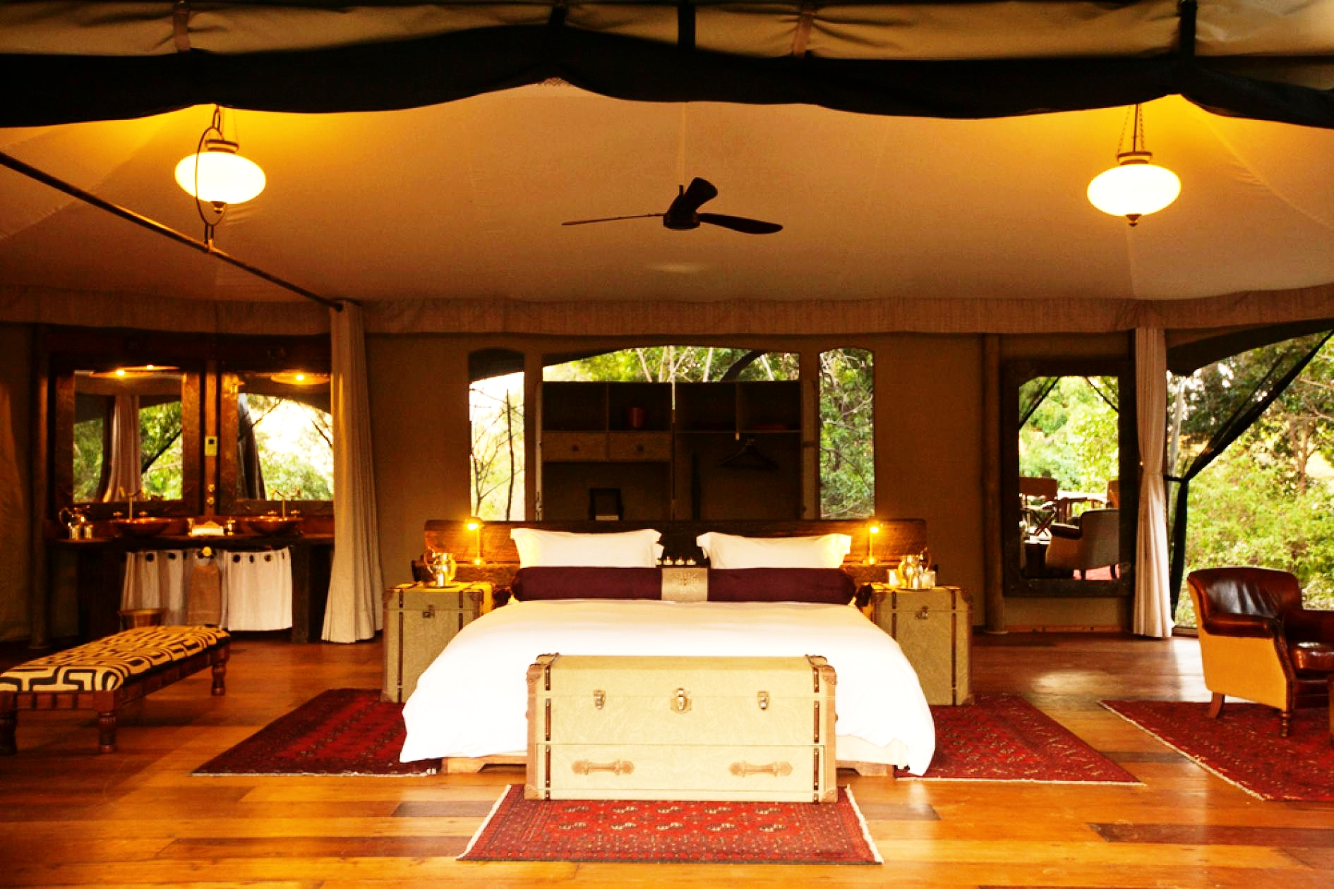 Mara Plains_Copyright_Beverly_Joubert_Mara_Camp_Kenya_6171_open-room.adapt.945.2.jpg