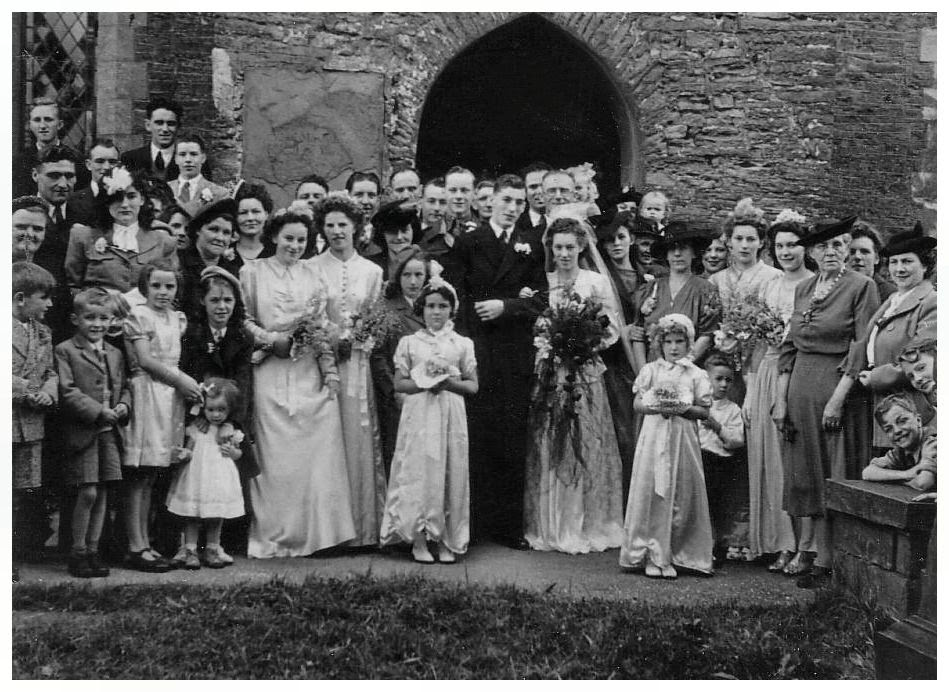 A Traditional 1940's wedding photo