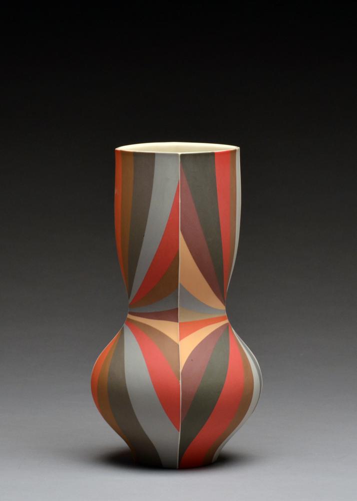 Vase SOLD  porcelain 10 x 5 x 5
