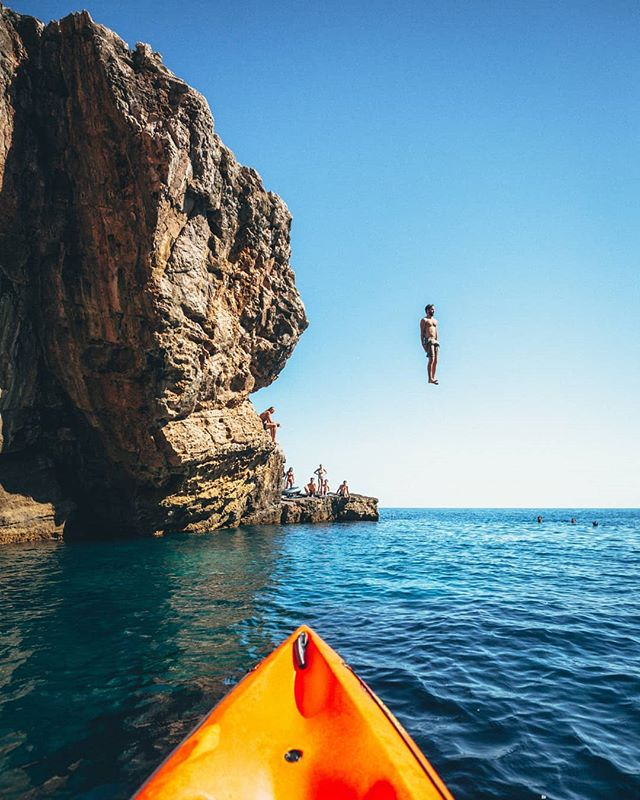 Just go for it  Cliff jumping with @zil.io on the small island of Otok Lokrum. It was a little nerve racking to kayak from Dubrovnik with my camera and drone, luckily we didn't tip over!