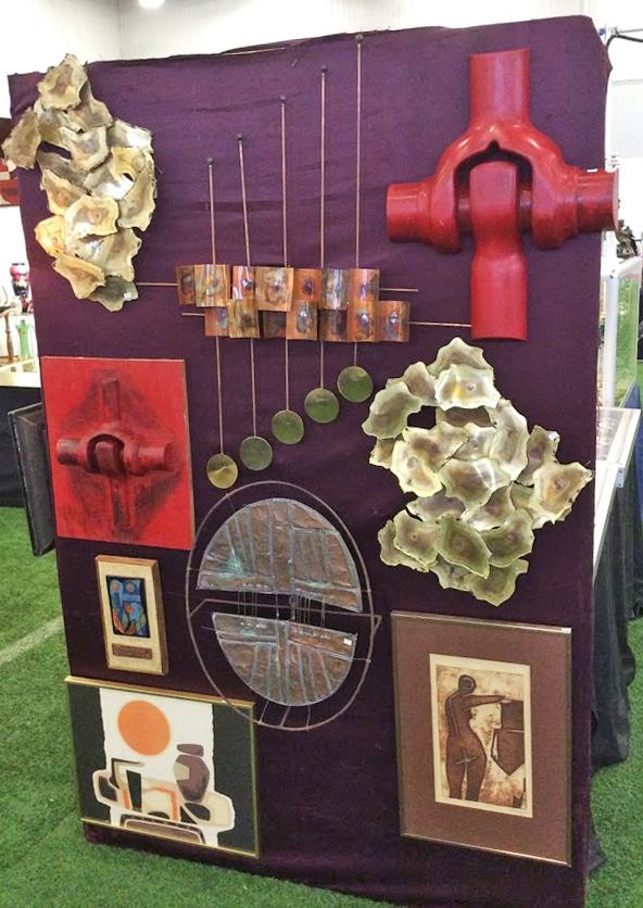 Ottawa_antique_and_vintage_market_end_cap.jpg
