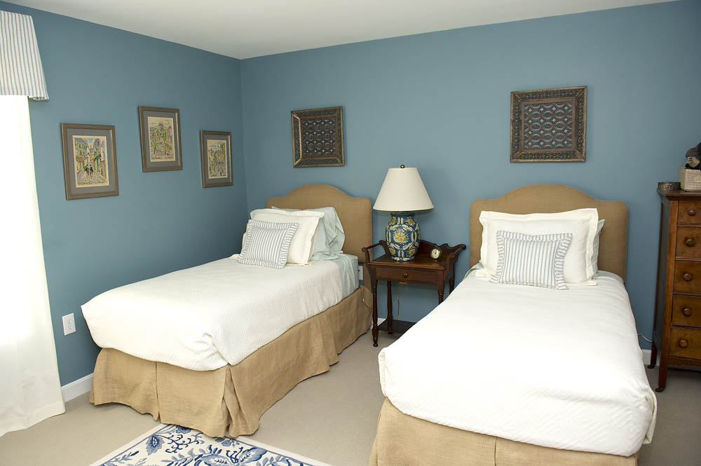 Fave_Alberg First Guest Room 1.jpg