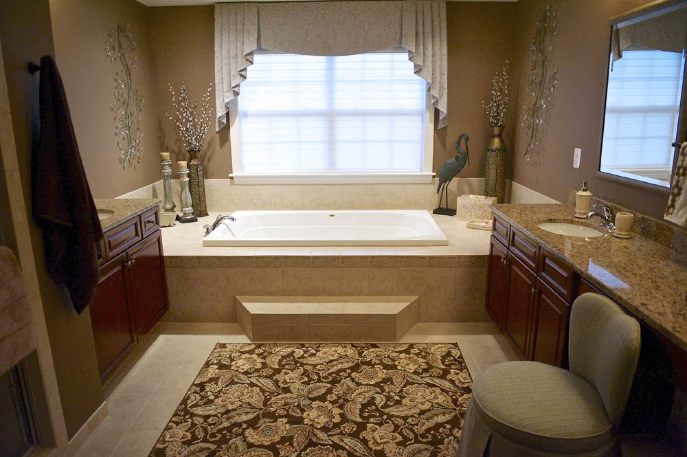 Fave_Barborak Master Bathroom 7.jpg