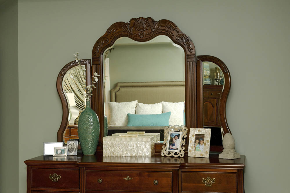 Fave_Barborak Master Bedroom 5.jpg