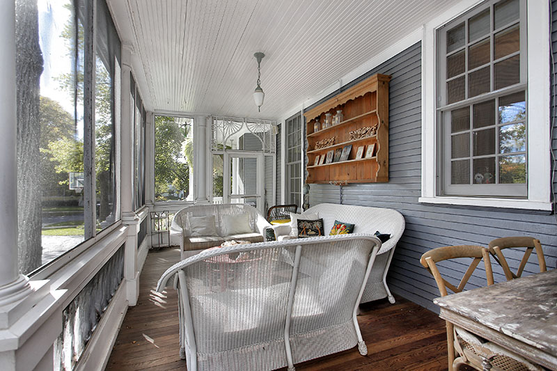09 porch1_745greenwood-sm.jpg