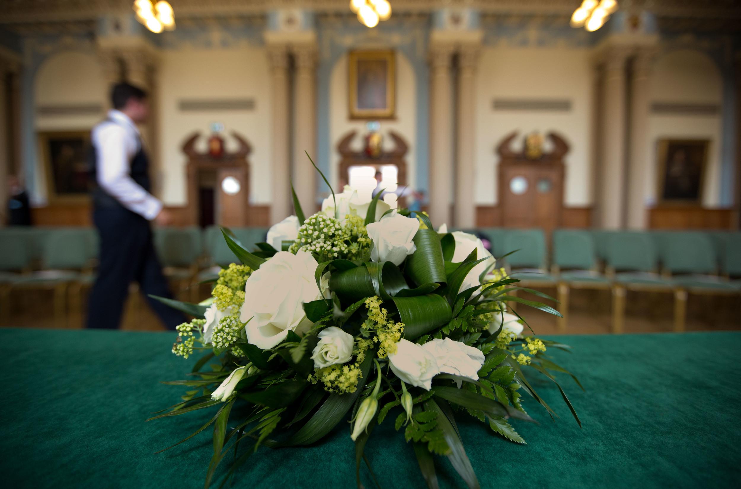 bouquet-flowers-london-uk-destination-wedding-photography-Adam-Rowley