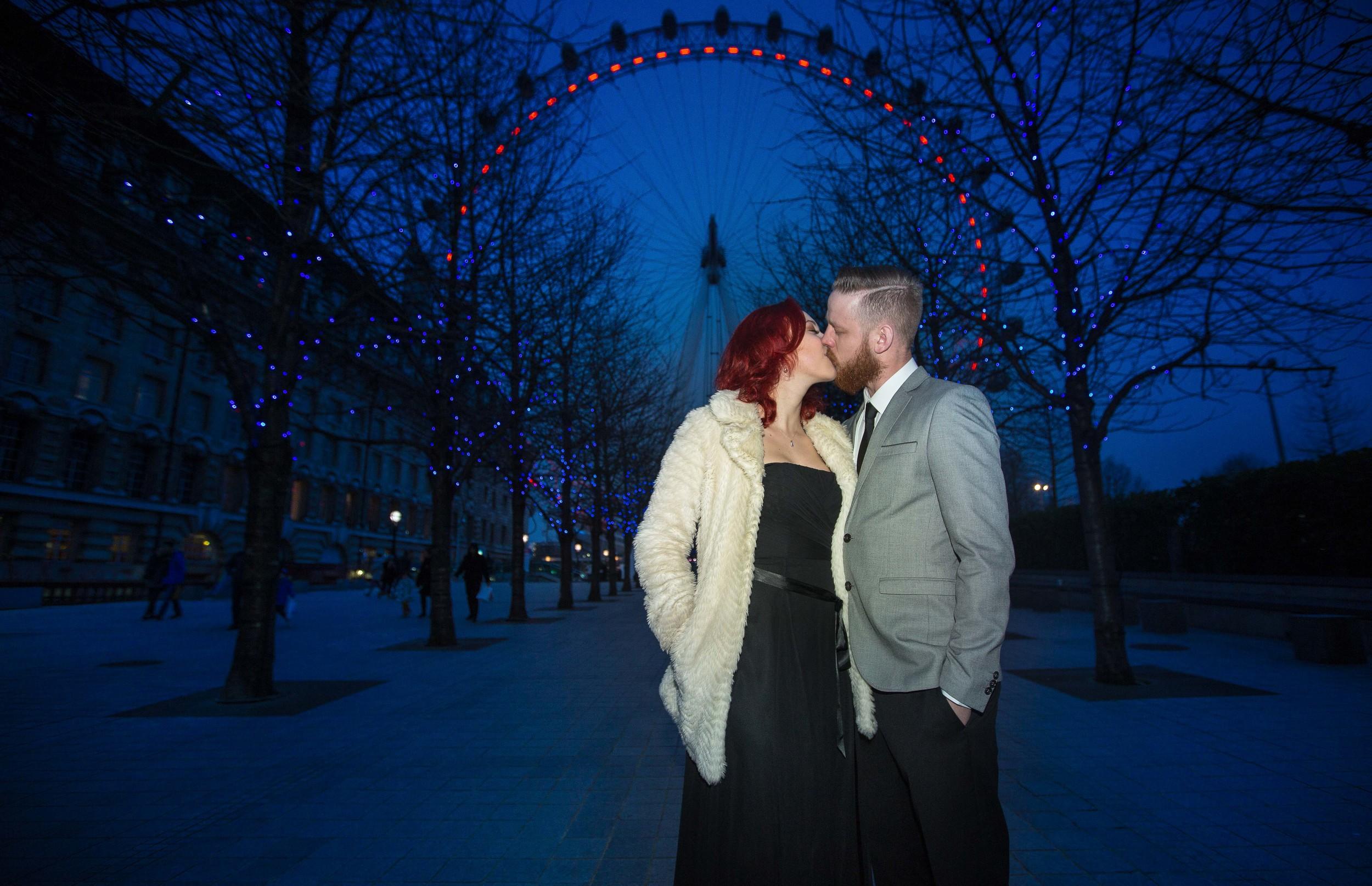 london-eye-engagement-1-london-uk-destination-wedding-photography-Adam-Rowley