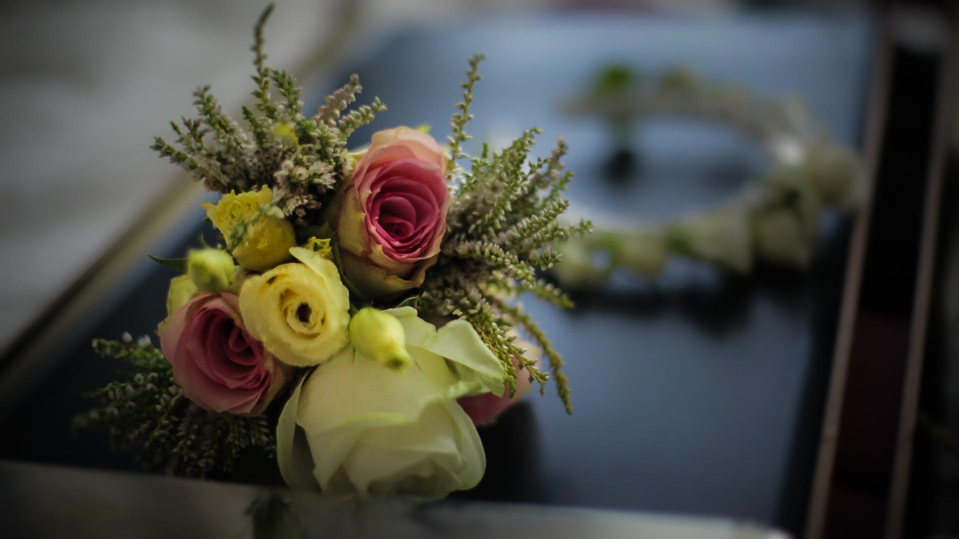 flowers-bouquet-richmond-london-uk-destination-wedding-photography-Adam-Rowley