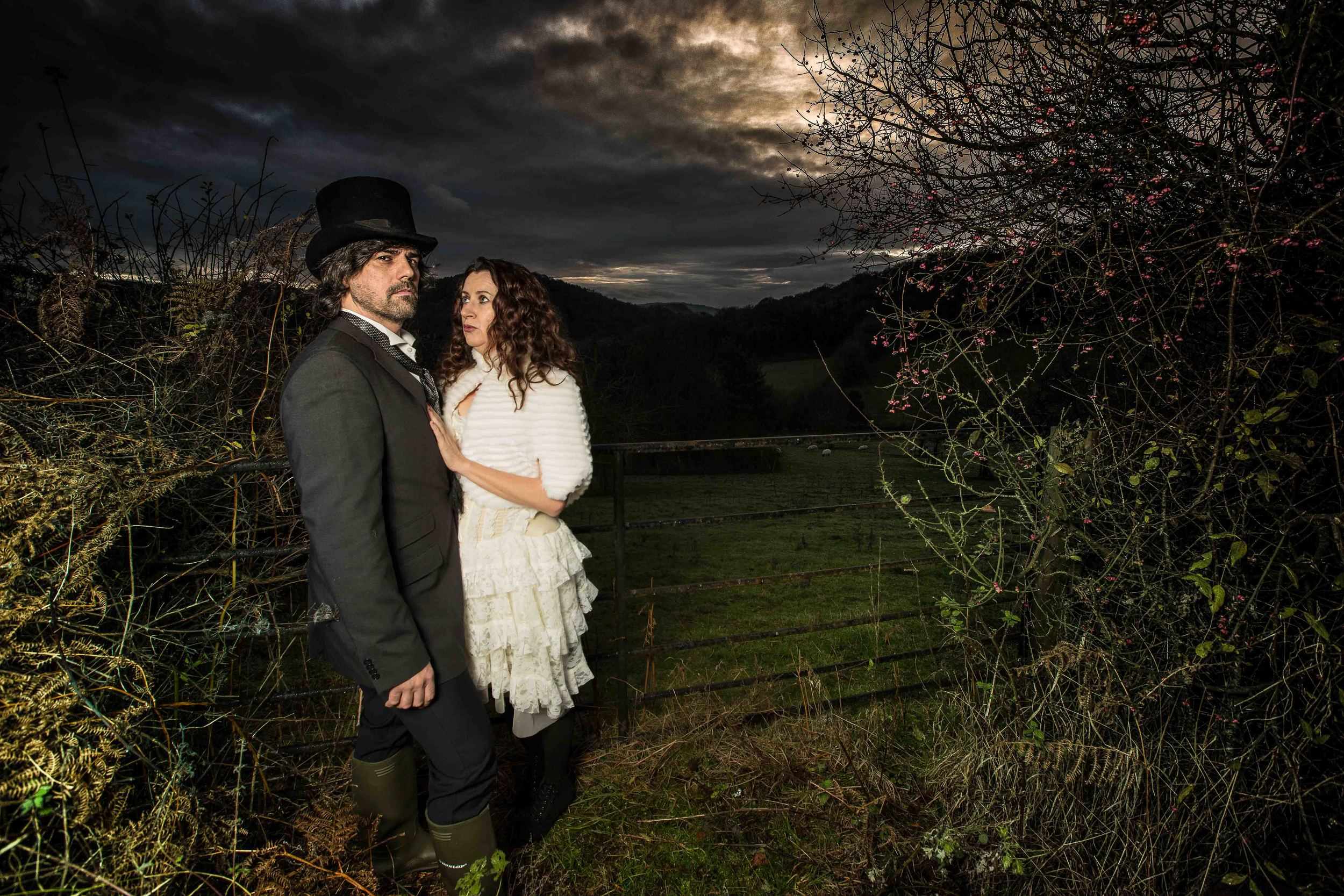 herefordshire-alternative-wedding-london-uk-destination-wedding-photography-Adam-Rowley